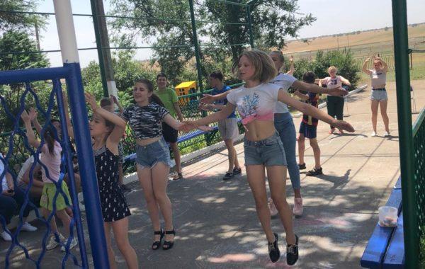 Сотрудники филиала ЦЛАТИ по Ставропольскому краю посетили Детский дом с. Толстово-Васюковское.