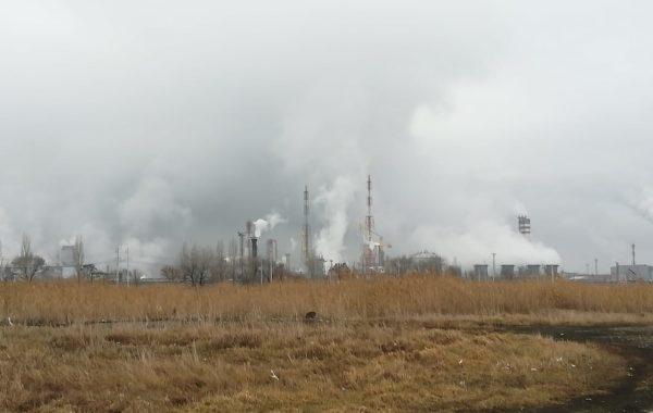 Отбор проб промышленных выбросов в атмосферный воздух сотрудниками филиала ЦЛАТИ по Ставропольскому краю на АО «Арнест» г. Невинномысск.