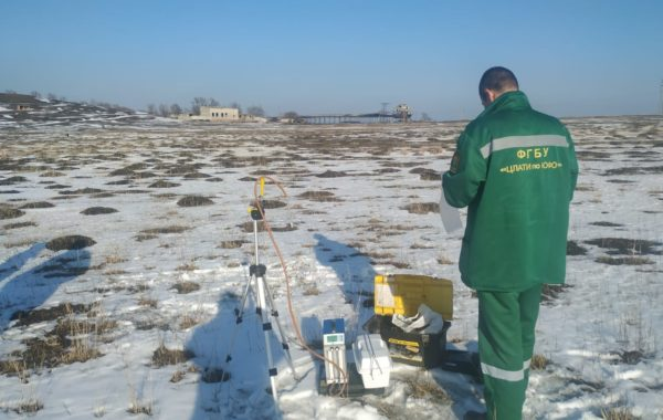 Отбор проб сотрудниками филиала ЦЛАТИ по Ставропольскому краю на территории объектов размещения отходов АО «Невинномысский Азот».